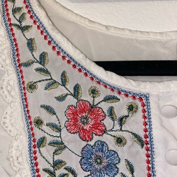 Tops - Embroidered shirt from a boutique in Paris